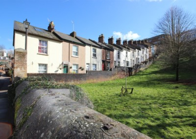 Napier terrace exeter ex4 2 bedroom cottage for sale for Terrace exeter